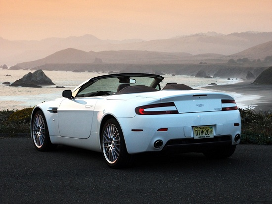 Aston_Martin-V8_Vantage_Featured