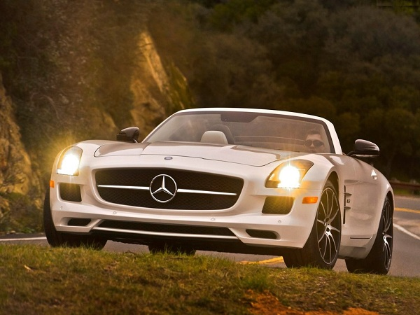 Mercedes-Benz-SLS-Featured